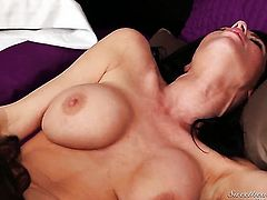 Nina James and Veronica Avluv show their love for pussy licking