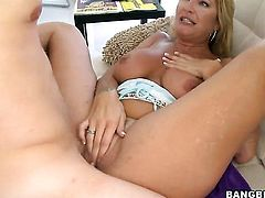 Robbye Bentley does dirty things and then gets her nice face cum glazed