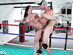 Johnny Sins has unforgettable sex with Kendra Lust with huge melons