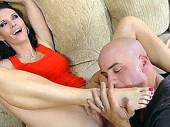Enjoy amazing spicy brunette chick Jennifer Dark getting fucked by Derrick Pierce