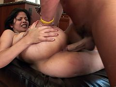 Amazing curvy brunette Evie Delatosso is having fun with some dude in the kitchen. She plays with the guy's boner and they fuck in side-by-side and cowgirl positions.
