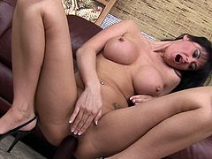 MILf Eva Karera fucks with black dildo