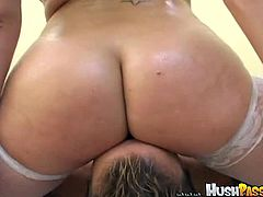Bubble Butt Bonanza brings you a hell of a free porn video where you can see how the hot brunette Gianna Michaels sucks and rides a hard cock til she cums very hard.