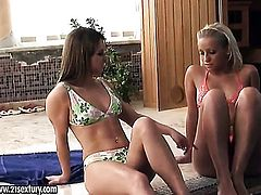Blonde and Wibeke loses control in crazy lesbian action