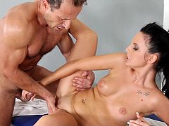 Wild action for her cramped vag