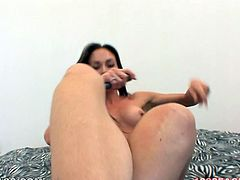 Seductive and well shaped MILF Mary Jane takes off her clothes to show her sexy body and masturbates her wet pussy with a dildo.
