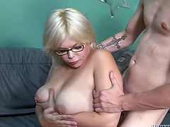 Chubby nerd gets her armpits licked before riding hard dick in cowgirl position