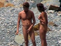 How sexy is to watch nude couple through the hidden cam