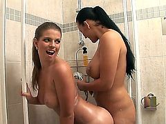 Passionate and crazy lesbian action with Carmen Croft and Mona Lee in the bathroom