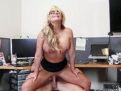 Dirty secretary slut gets her pussy slammed hard by hot tempered dude. He pokes her right on the table and then she gives deepthroat blowjob.