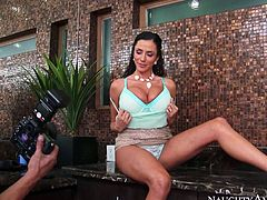 Extremely sexy and horny babe with awesome body and nice ass takes off her clothes and moves her panties to show her voluptuous hole. Have a look at this beauty in Naughty America xxx video.