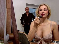 Smoking hot curly blonde mom in sexy negligeewas about to go to the bed when her fucker entered the room. Milfie screamed with joy while getting her wet coochie licked. Beauty thankfully sucked her man's massive dick.