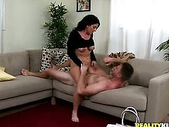 Mature cant resist the temptation to take stiff rod in her mouth