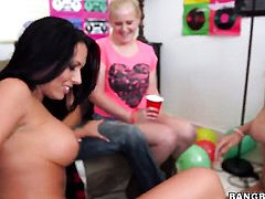 Jessica Bangkok and Rachel Starr stars in hot lesbian action