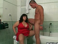 Fatty bbw Milf caught the guy looking at the magazine playing with her wiener. Instead of being angry for her daughter she just let herself suck and fuck her in the bathroom.