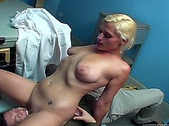 Chubby blonde chick visits gyno doctor to check her cunny. But instead of examining girl's pussy nasty doctor licks her toes, sucks her stinky armpits. Busty chick gets horny and treats her doc with wild facesitting.