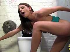 Gloryhole stories with a desirable angel Brooklyn Chase. She gets naked and starts showing how deep her mouth is! Then how wet her twat is!