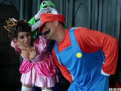 Watch the slutty Brooklyn Chase dressed as Princess Peach getting laid by two guys with big cocks in this threesome while dressed as Mario and Luigi.