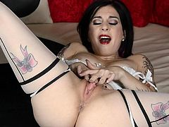 It's dashing to watch sensual Joanna Angel screaming while deep stroking her wet fanny with the fingers