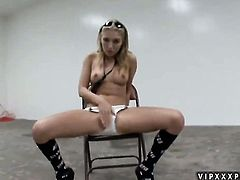 Blonde Jaelyn Fox shows every inch of her body before her masturbates on cam