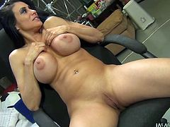Well stacked MILF with big boobs Sheila Maire flaunts her killer curves all naked. She plays with her udders and then gives great blowob filling her mouth with 10 inches of black meat.