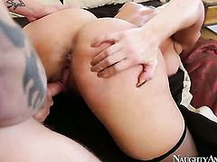 Cody Sky enjoys bodacious Alura Jensons wet hole in hardcore sex action