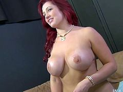 Buxom bombshell Dayna Vendetta gets her pussy expertly eaten out