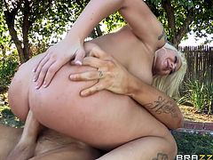 Take a look at this rough hardcore scene where the sexy blonde Leya Falcon is fucked by this guy's thick cock outdoors where she ends up with a mouthful of semen.