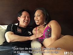 Don´t you love the dirty bitches who want to play erotic games? You can watch Tamera undress after a little chatting. She is just crazy after sucking cock well before riding it. You can also enjoy the pleasant sight of the naked slut laying on bed with legs widely spread while her pussy is licked. Click!