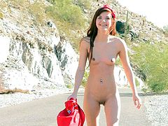 A redhead teen flashes her titties and lifts a dress up in a public place. Alaura also shows her nice ass in a car. In addition she plays with her pussy and walks in the mountains.