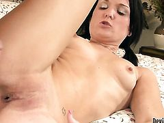 Bobbi Brixton takes love stick in her anal hole