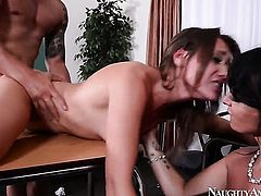Oriental Callie Calypso and Bruno Dickemz stretch each others love box with enthusiasm