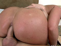 Kinky and attractive light haired bitch with awesome body gets her asshole banged hard. Have a look at this chick in Brazzers Network sex video.