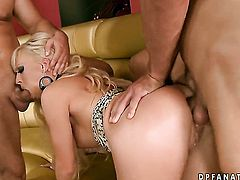 Blonde Honey Winter makes dude happy by eating his hard man meat
