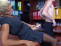 Make sure you don't miss this horny femdom mature having some fun with a young twink. She wants to teach him a lesson and sticks the huge toy up his asshole.