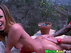 Round ass Jada Stevens gets her pussy pounded by a huge cock
