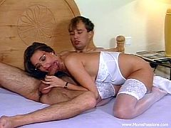 Get a hard dick by watching this skinny cougar, with natural breasts wearing nylon stockings, while she gets fucked hard and moans stridently.