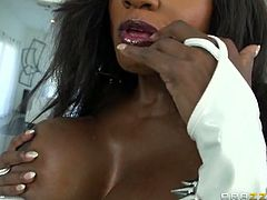 Brazzers Network brings you a hell of a free porn video where you can see how the alluring ebony goddess Diamond Jackson rides a hard white cock into a huge orgasm.