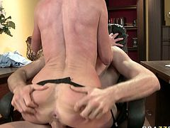 Fake tittied slut Taylor Wane gets her throat fucked by Jordan Ash