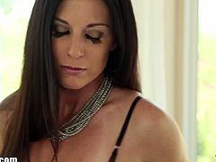 India Summer is a milf who loves to suck cock and agrees to participate in the deepthroating challenge. She does a fantastic job at taking cock in her throat and eating cum too.