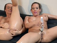 Beautiful Tory Lane And Teal Conrad Have Lesbian Sex