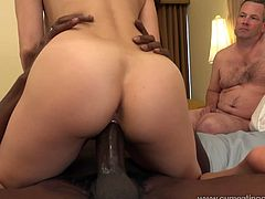 Cum Eating Cuckolds brings you a hell of a free porn video where you can see how the alluring brunette Onyx Makes her husband suck a big black cock after she rides it.