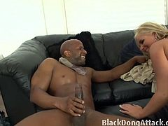 Horny Phoenix Marie is ready for some hardcore banging with a huge black dong. Her neighbour knows how to penetrate her MILF pussy and is about to cum on her face