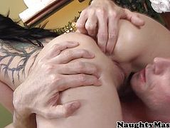 Casey Cumz sixtynine fun with masseur