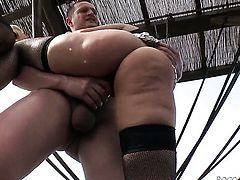 Ian Scott gets pleasure from fucking amazing Kayla Greens anal hole before cock sucking