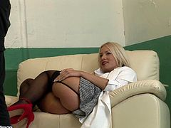 Sexy porn star in stockings and high heels with a curvy body gives a blow job then gets her pussy screwed before he cums in her mouth