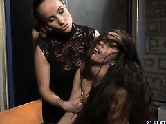 Mature with big knockers and Katy Parker kill time playing with each others wet spot