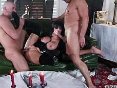 Big-breasted brunette Joslyn James, wearing leather outfit, gives blowjobs to Toni Ribas and Will Powers. Then she gets her snatch and butt fucked at the same time and enjoys it a lot.