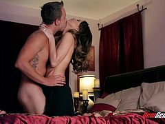 Make sure you don't miss out on this hardcore scene where the gorgeous Riley Reid sucks on her man's big fat cock before being drilled in their king size bed.