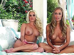 Nicole Aniston cant stop fingering her hole